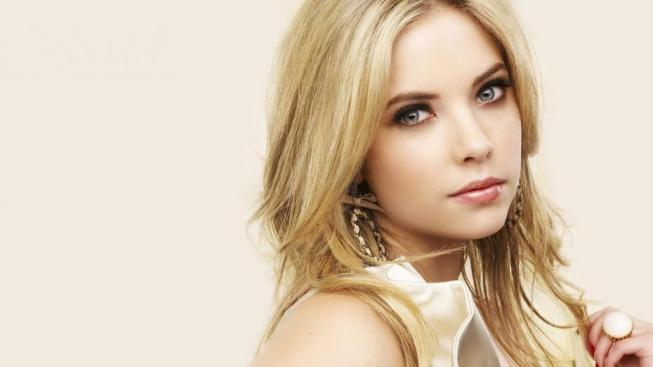 pretty-little-liars-saison-4-ashley-benson