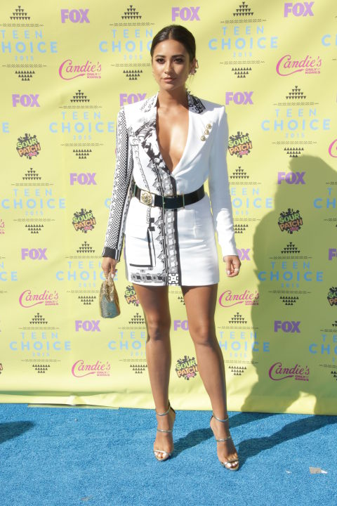 gallery-1439773787-rexusa-2793608ax-shay-mitchell